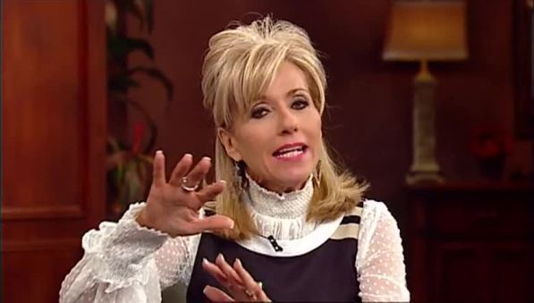 show-wednesdays-with-beth-990_ep-2015-12-16-beth-moore-rising-abov_site-3_20151214101057004